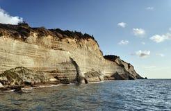 科孚岛海岛的岩石峭壁  免版税库存图片
