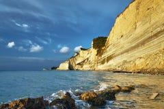 科孚岛海岛的峭壁 免版税库存图片