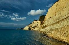 科孚岛海岛的峭壁 库存图片