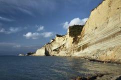 科孚岛海岛的峭壁 免版税库存照片