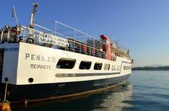 科孚岛港口莎丽服巡航轮渡 库存图片
