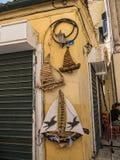 科孚岛镇backstreets在科孚岛希腊海岛上的  免版税库存照片
