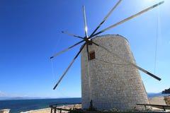 科孚岛老风车  免版税图库摄影