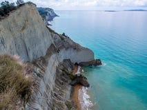科孚岛- Peroulades峭壁 库存图片