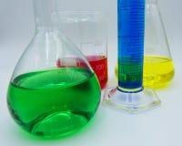 科学实验的实验室labware,白色背景 库存照片