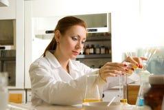科学家妇女 免版税库存图片