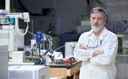 科学家或医生在研究中心 免版税库存图片