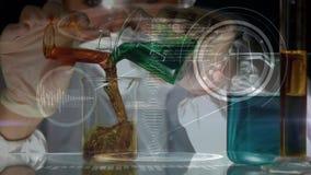 科学家混合的化学制品在实验室 股票视频