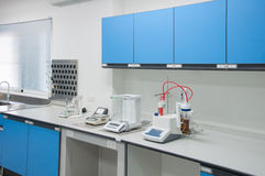 科学现代实验室内部建筑学 库存照片