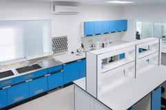 科学现代实验室内部建筑学 库存图片