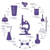 科学的化学,教育元素:显微镜,烧瓶,三脚架,惯例,烧杯,燃烧器,变形虫细胞,量杯 设计为 向量例证