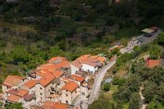 科尔巴拉市,Salermo,地区褶皱藻属,阿马尔菲海岸,意大利省全景  库存照片