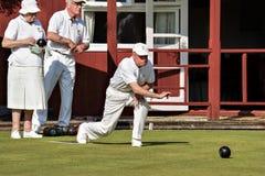 科尔曼的舱口盖, SUSSEX/UK - 6月27日:草坪在Colem滚保龄球比赛 免版税图库摄影