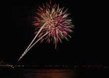 科尼岛海滩烟花 免版税库存照片