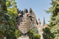 科希策徽章,斯洛伐克的古铜色雕象 库存照片