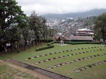 科希马镇,从世界大战对称的那加兰邦全景  免版税库存照片