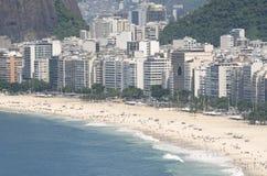 科帕卡巴纳海滩里约热内卢巴西地平线鸟瞰图 免版税库存图片