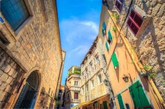 科托尔老街道  科托尔是一个城市在黑山 库存照片