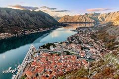 科托尔,黑山老镇的鸟瞰图  免版税库存照片