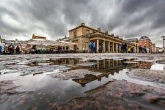 科文特花园市场在雨天,伦敦 库存图片