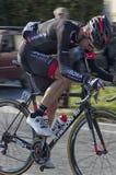 维科皮萨诺,意大利- 3月12 :专业骑自行车者3月细节  免版税库存图片
