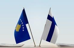科索沃和芬兰的旗子 免版税库存照片