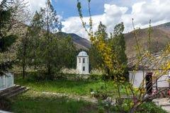 科索沃,保加利亚村庄有地道19世纪房子的 库存照片