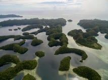 科罗尔海岛红外线帛琉群岛 长期海滩 帕劳是500个海岛群岛,一部分的在weste的密克罗尼西亚地区 免版税图库摄影