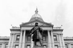 科罗拉多状态国会大厦和南北战争纪念碑在黑白照片 图库摄影