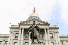 科罗拉多状态国会大厦和南北战争纪念碑 免版税库存图片