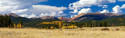 科罗拉多落矶山脉秋天全景风景 免版税图库摄影
