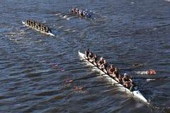 科罗拉多() JWU划船(正确的)伊利诺伊(底下)在查尔斯头赛跑  库存图片