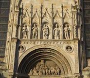 科莫湖大教堂的外部装饰细节科莫湖,伦巴第的罗马atholic大教堂, 库存图片