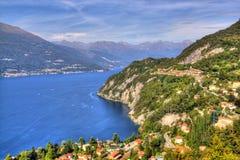 科莫湖意大利从山的夏天视图 库存照片