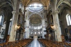 科莫& x28; 伦巴第, Italy& x29;大教堂内部 免版税库存照片