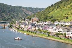 科赫姆鸟瞰图沿河摩泽尔的在德国 库存照片