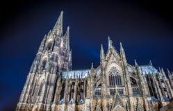 科隆大教堂在晚上 图库摄影