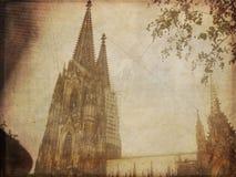 科隆大教堂的葡萄酒照片 库存照片