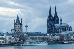 科隆,德国都市风景,和科隆大教堂 库存照片
