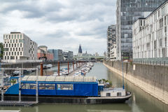 科隆,德国- 2017年4月19日:Rheinauhafen的起重机房子 免版税库存照片