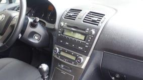 科鲁Napoca/罗马尼亚- 2017年5月09日:丰田Avensis-年2010年,充分的选择设备,照相讲席会,驾驶席 库存图片
