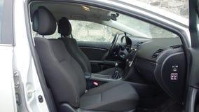 科鲁Napoca/罗马尼亚- 2017年5月09日:丰田Avensis-年2010年,充分的选择设备,照相讲席会,仪表板驾驶舱 免版税库存照片