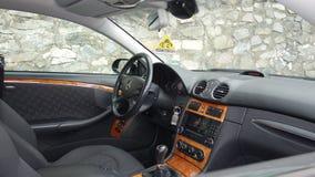 科鲁Napoca/罗马尼亚- 2016年9月19日:奔驰车W209-年2005年,高雅设备,黑金属油漆,照相讲席会C 免版税库存照片