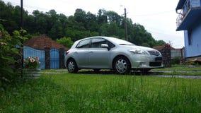 科鲁Napoca/罗马尼亚6月19日2017年:丰田Auris斜背式的汽车执行委员-年2012年,改造行政设备,金属的银 免版税图库摄影