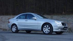 科鲁Napoca/罗马尼亚3月31日2017年:奔驰车W203 -年2005年,先驱设备,银色金属油漆 库存图片