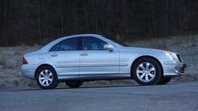 科鲁Napoca/罗马尼亚3月31日2017年:奔驰车W203 -年2005年,先驱设备,银色金属油漆 免版税图库摄影