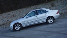 科鲁Napoca/罗马尼亚3月31日2017年:奔驰车W203 -年2005年,先驱设备,银色金属油漆 图库摄影