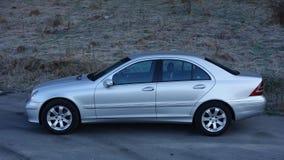科鲁Napoca/罗马尼亚3月31日2017年:奔驰车W203 -年2005年,先驱设备,银色金属油漆 免版税库存照片