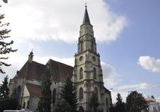 科鲁Napoca RO, 9月23th日:从科鲁Napoca联合广场的教会圣迈克尔从特兰西瓦尼亚地区的在罗马尼亚 免版税库存图片