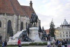 科鲁Napoca RO, 9月23th日:从科鲁Napoca联合广场的Matei Corvin纪念碑从特兰西瓦尼亚地区的在罗马尼亚 库存图片
